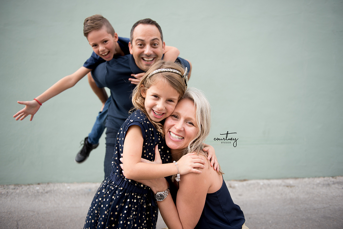 mother daughter portrait miami family photographer photo bombed